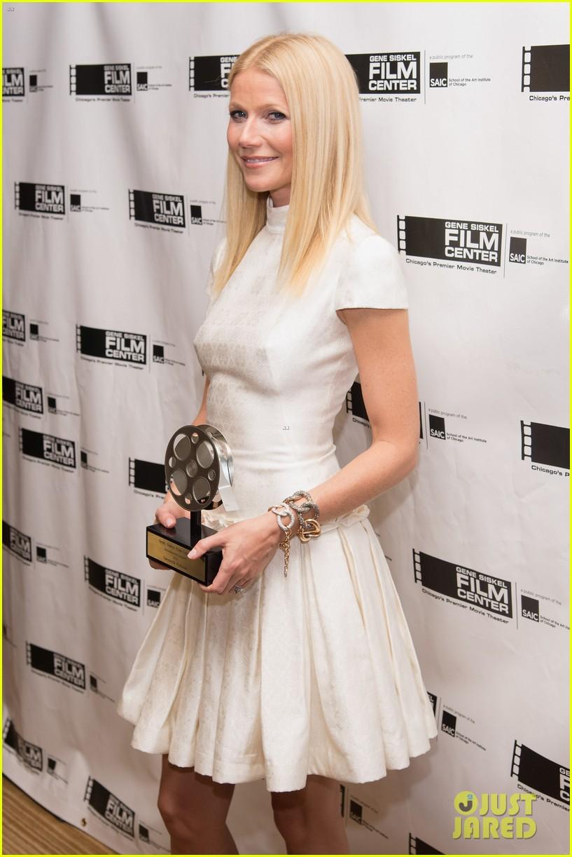 gwyneth paltrow gene siskel film center gala honoree 042892037