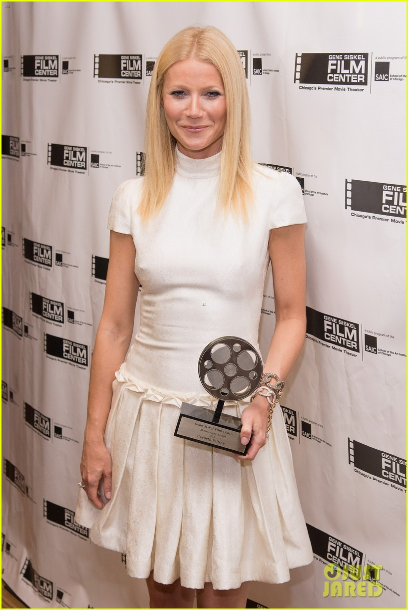 gwyneth paltrow gene siskel film center gala honoree 09