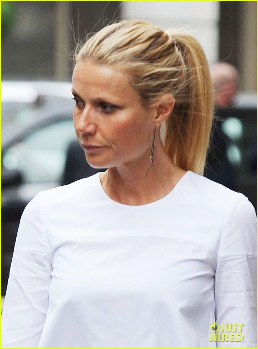 gwyneth paltrow monday morning stroll in london 03
