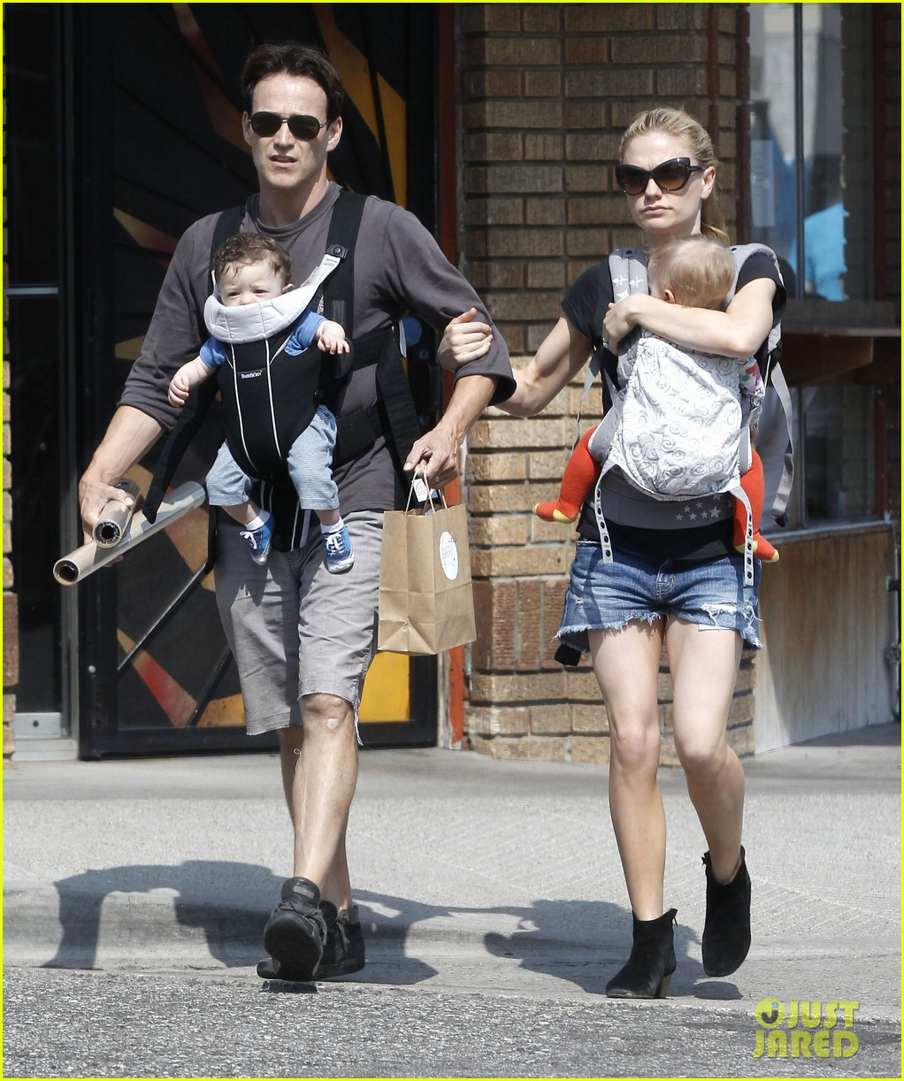 anna paquin stephen moyer lunch with charlie poppy 012900961