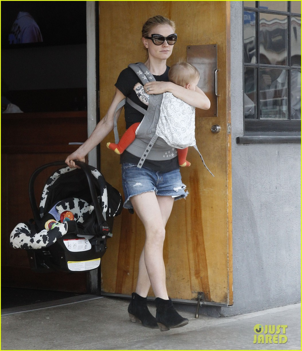 anna paquin stephen moyer lunch with charlie poppy 07