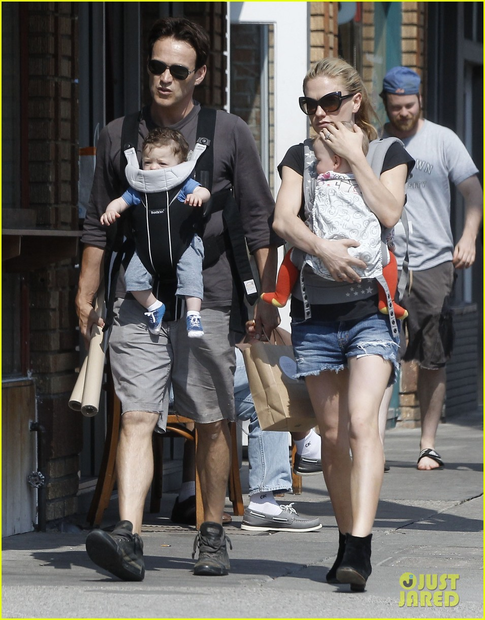 anna paquin stephen moyer lunch with charlie poppy 122900972