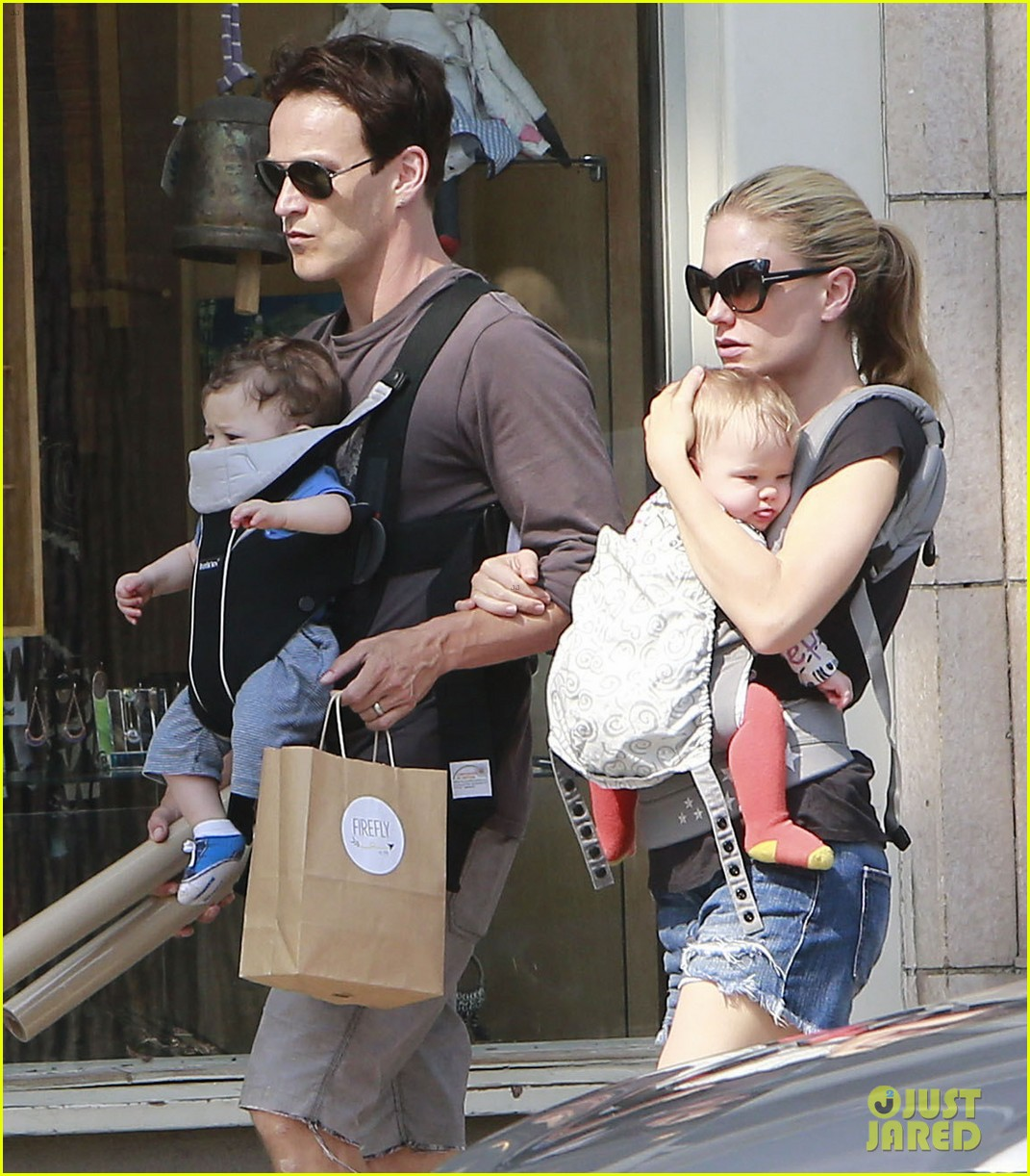 anna paquin stephen moyer lunch with charlie poppy 16