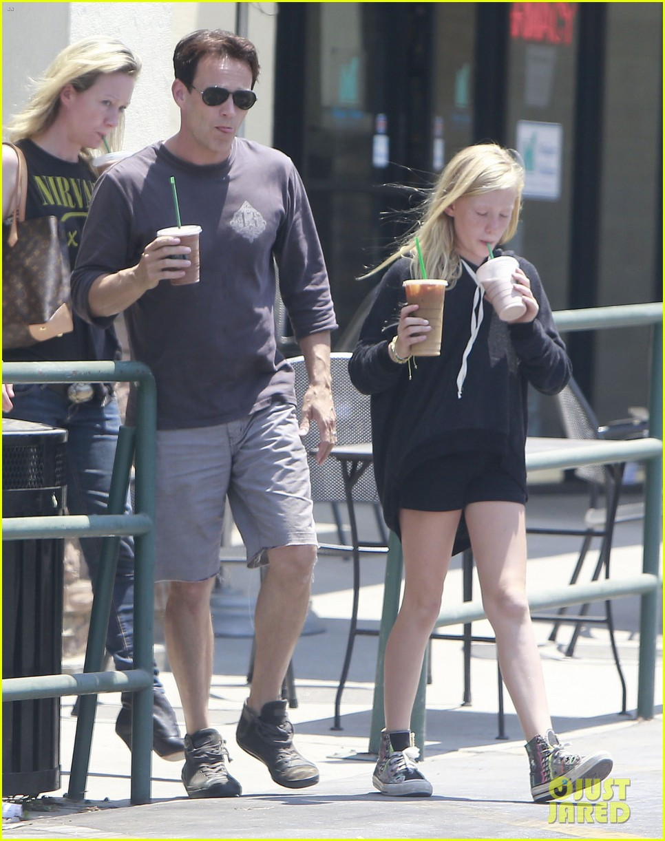 anna paquin stephen moyer lunch with charlie poppy 26