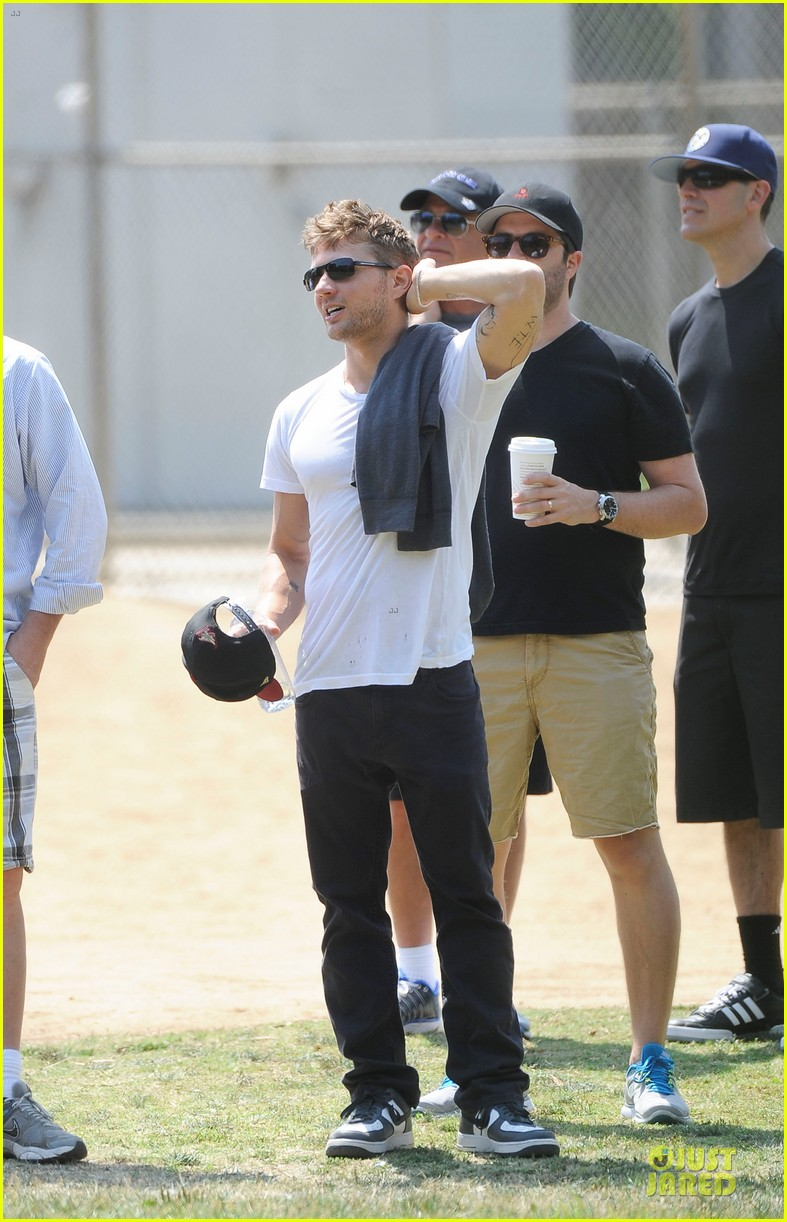 ryan phillippe hats off to deacon 012882356