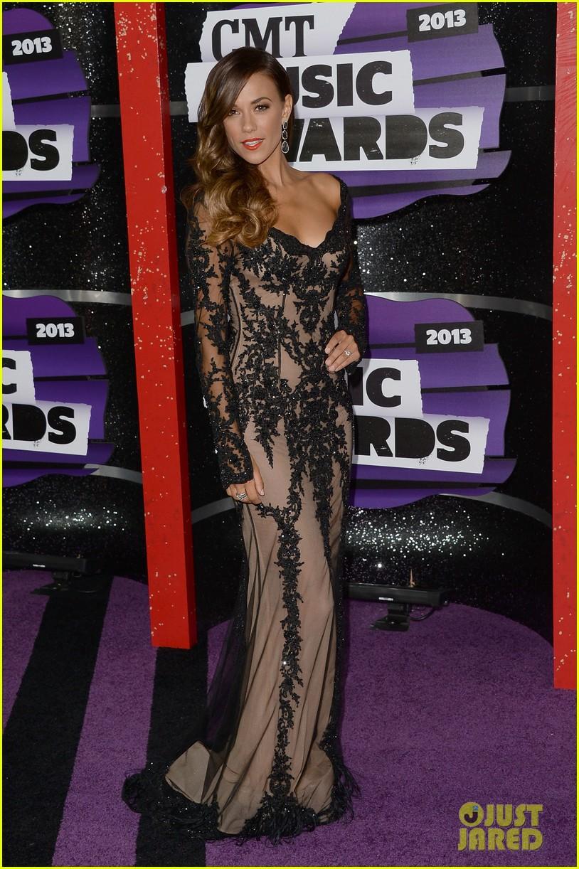 kellie pickler jana kramer cmt music awards 2013 red carpet 102885094