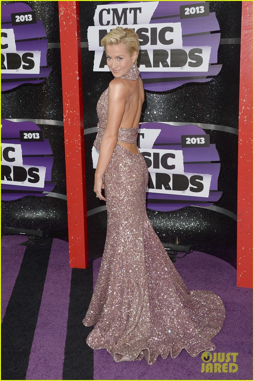 kellie pickler jana kramer cmt music awards 2013 red carpet 122885096
