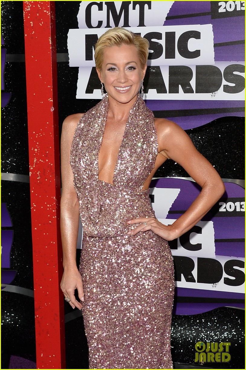 kellie pickler jana kramer cmt music awards 2013 red carpet 142885098