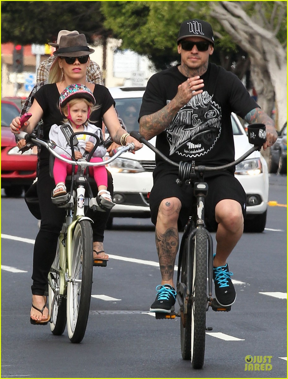 pink and carey hart relationship 2013