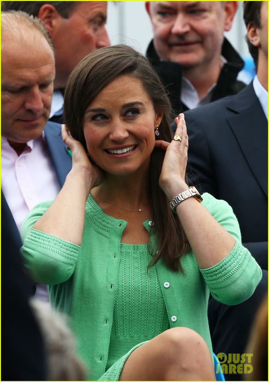 pippa middleton aegon championships with mom carole 082893116