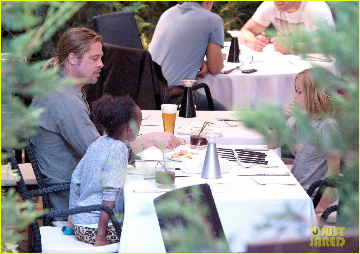 brad pitt japanese meal in spain with zahara shiloh 022896444