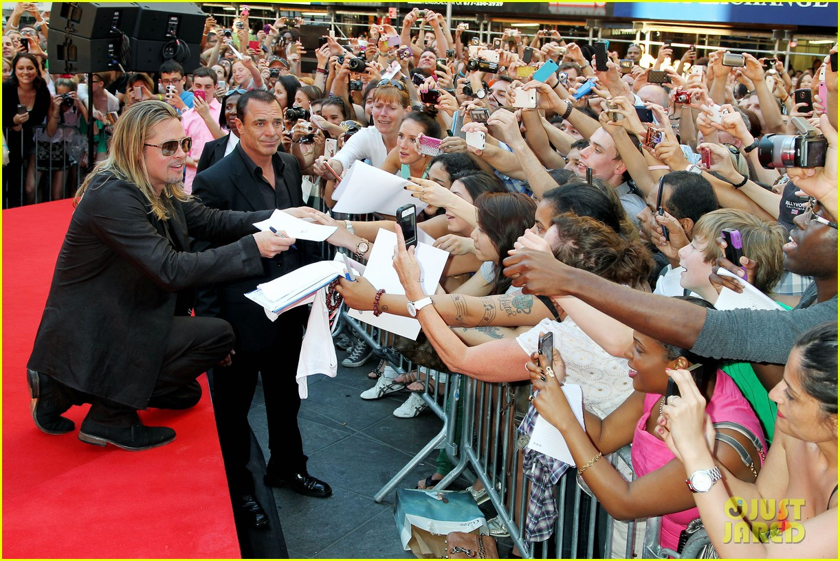 brad pitt world war z new york premiere 402893182