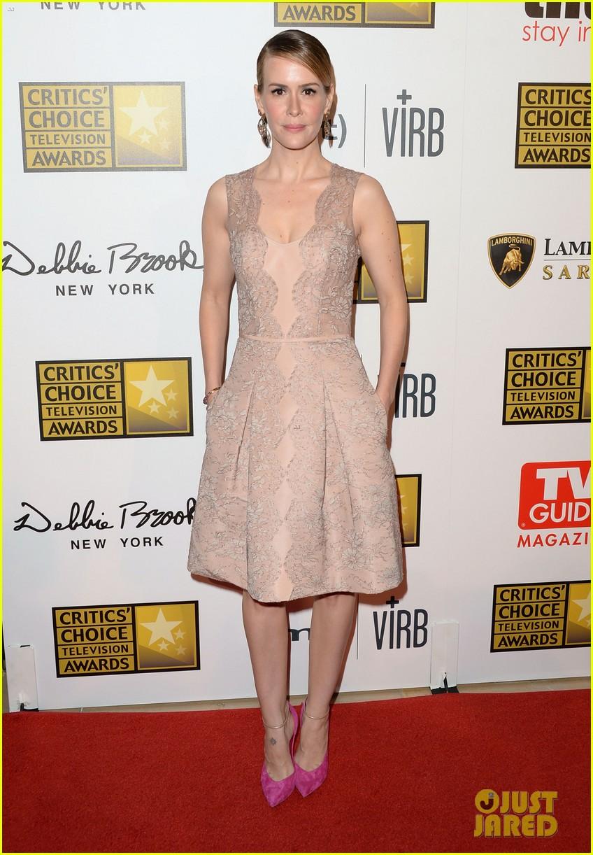 zachary quinto sarah paulson critics choice tv awards 2013 red carpet 01