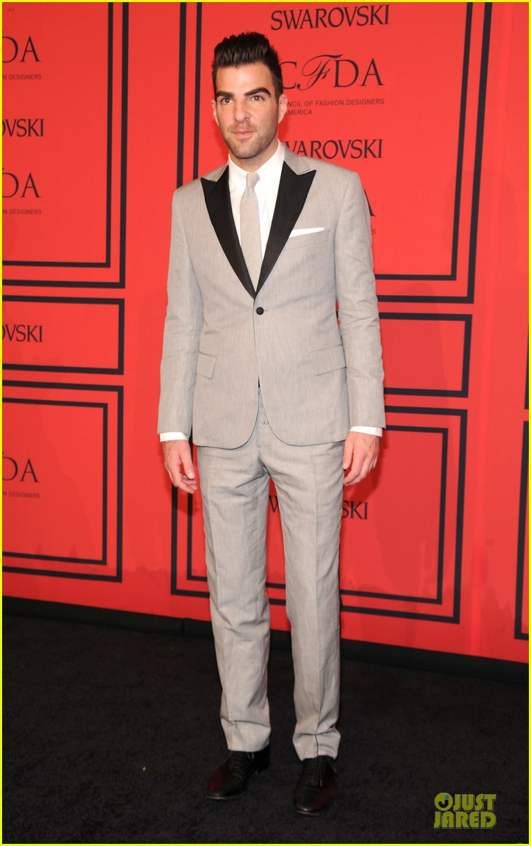 zachary quinto ethan hawke cfda fashion awards 2013 red carpet 01