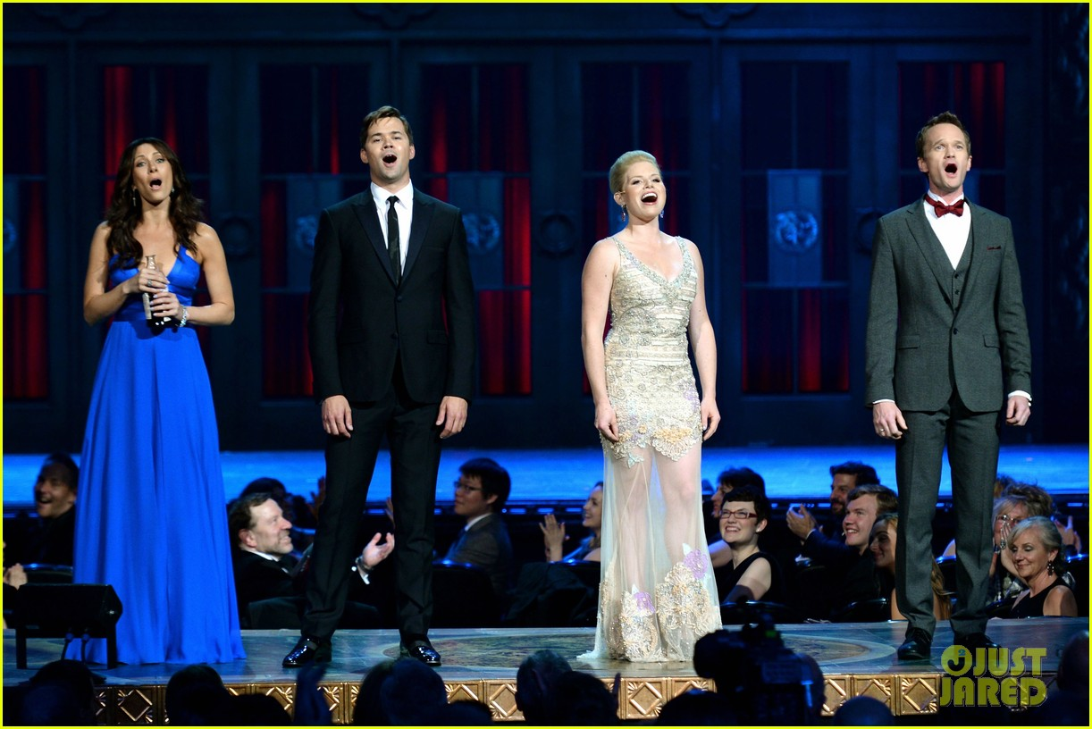 andrew rannells neil patrick harris tonys performance video 03
