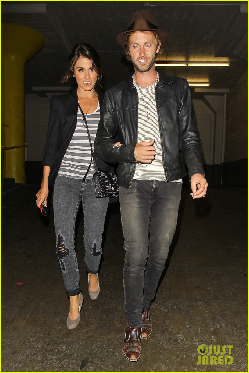 nikki reed supports paul mcdonald at hotel cafe gig 012889128