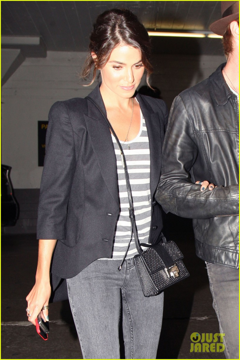 nikki reed supports paul mcdonald at hotel cafe gig 022889129
