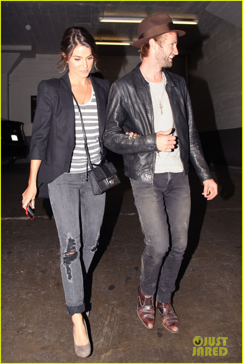 nikki reed supports paul mcdonald at hotel cafe gig 032889130
