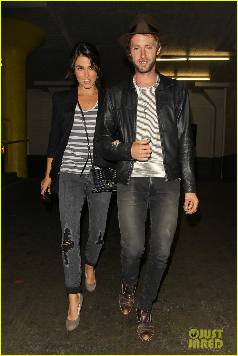 nikki reed supports paul mcdonald at hotel cafe gig 052889132