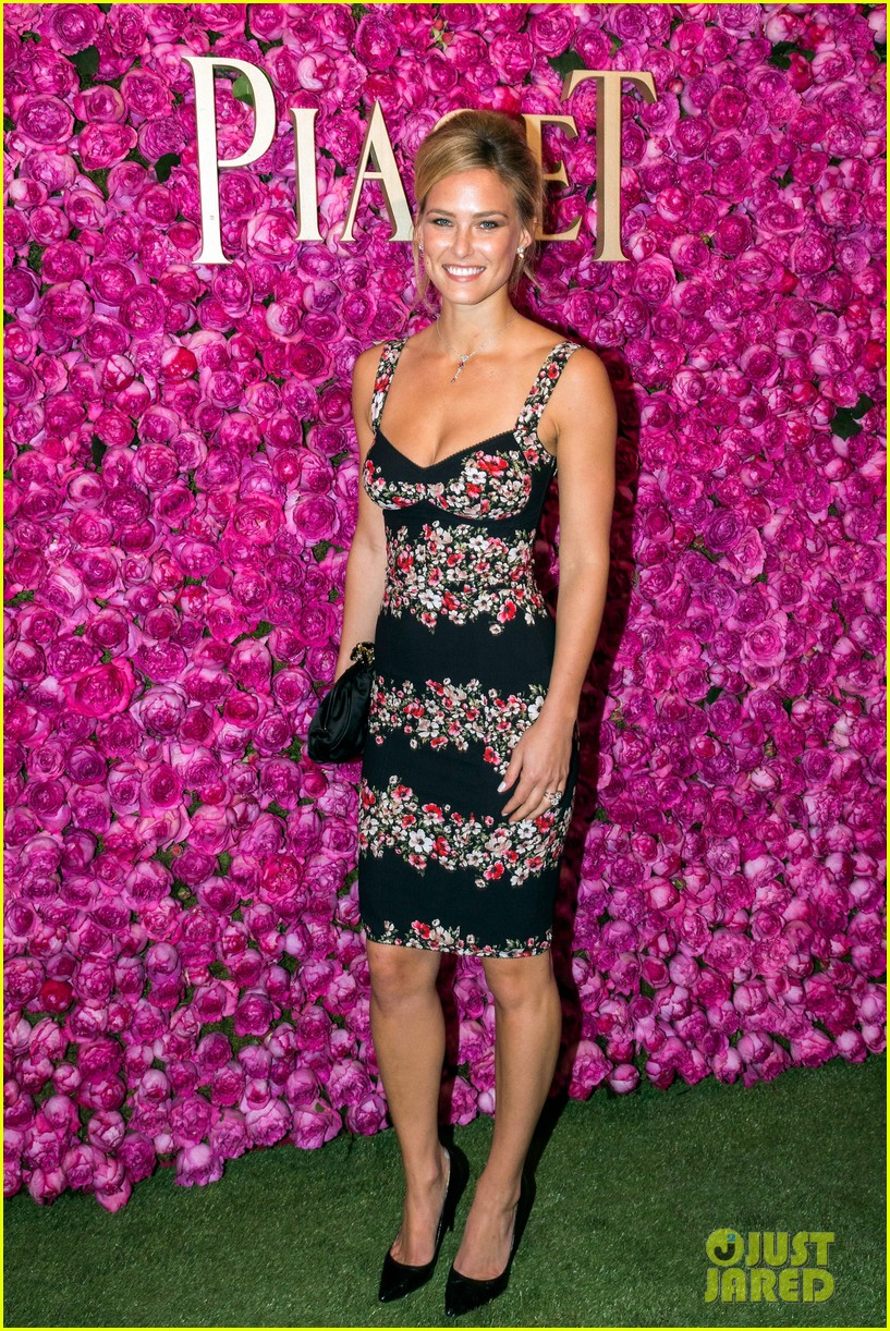 bar refaeli piaget rose day private event concert 052891082