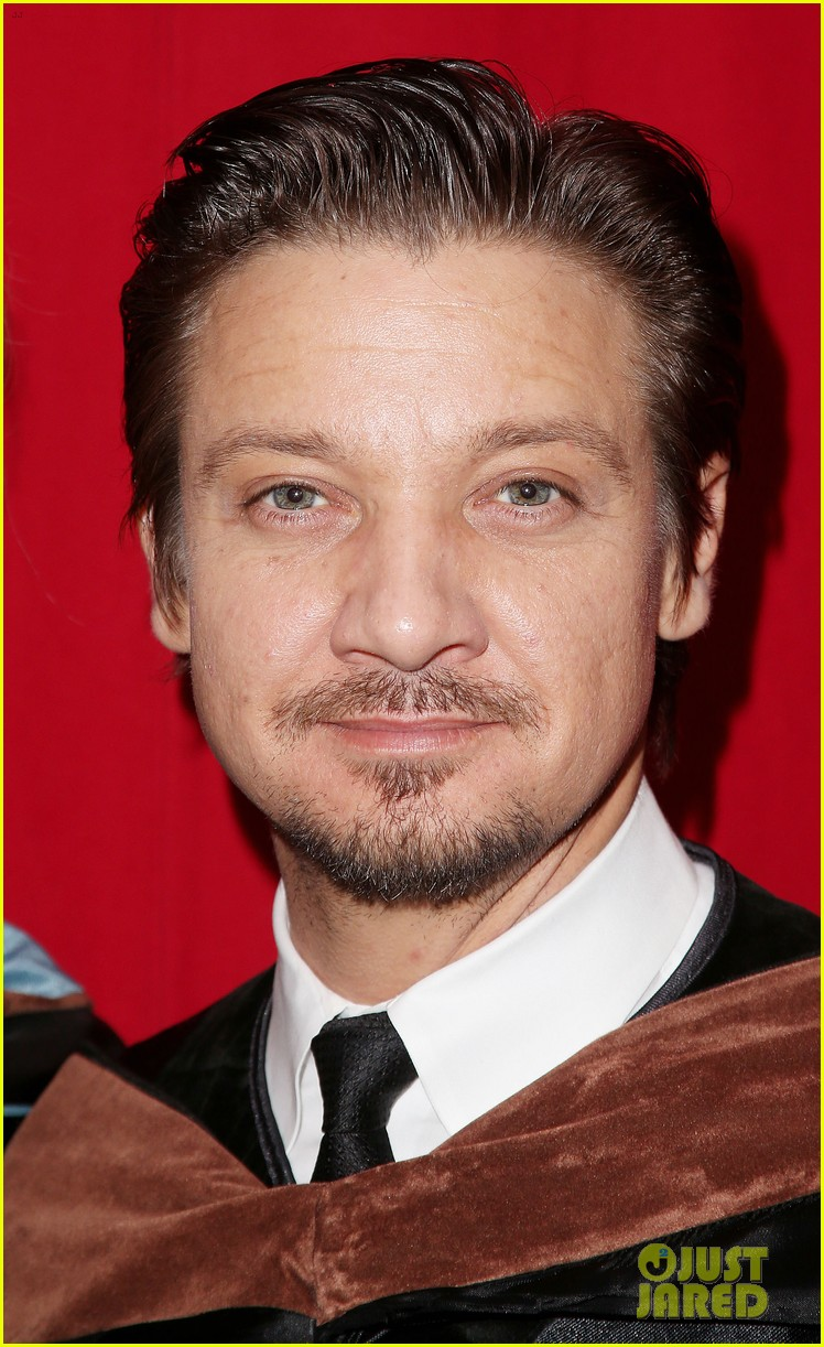 jeremy renner afi conservatory commencement ceremony 242890377