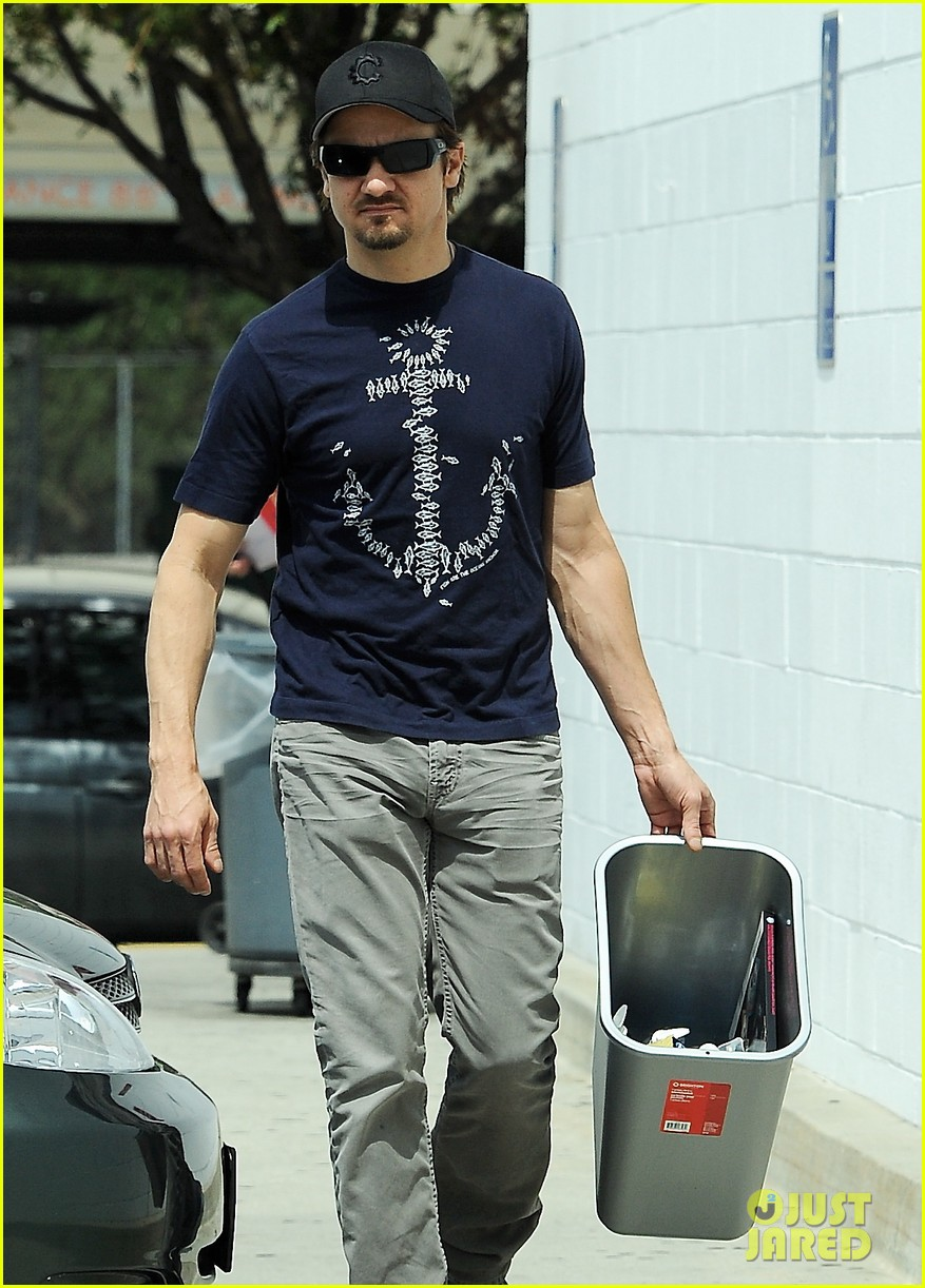 jeremy renner picks up office supplies take out food 042892067