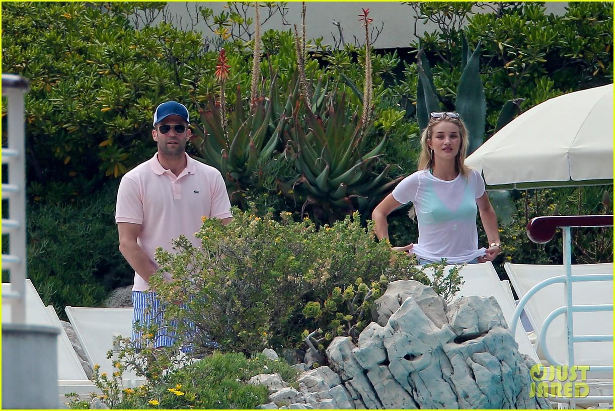 rosie huntington whiteley bikini vacation with jason statham 182888171