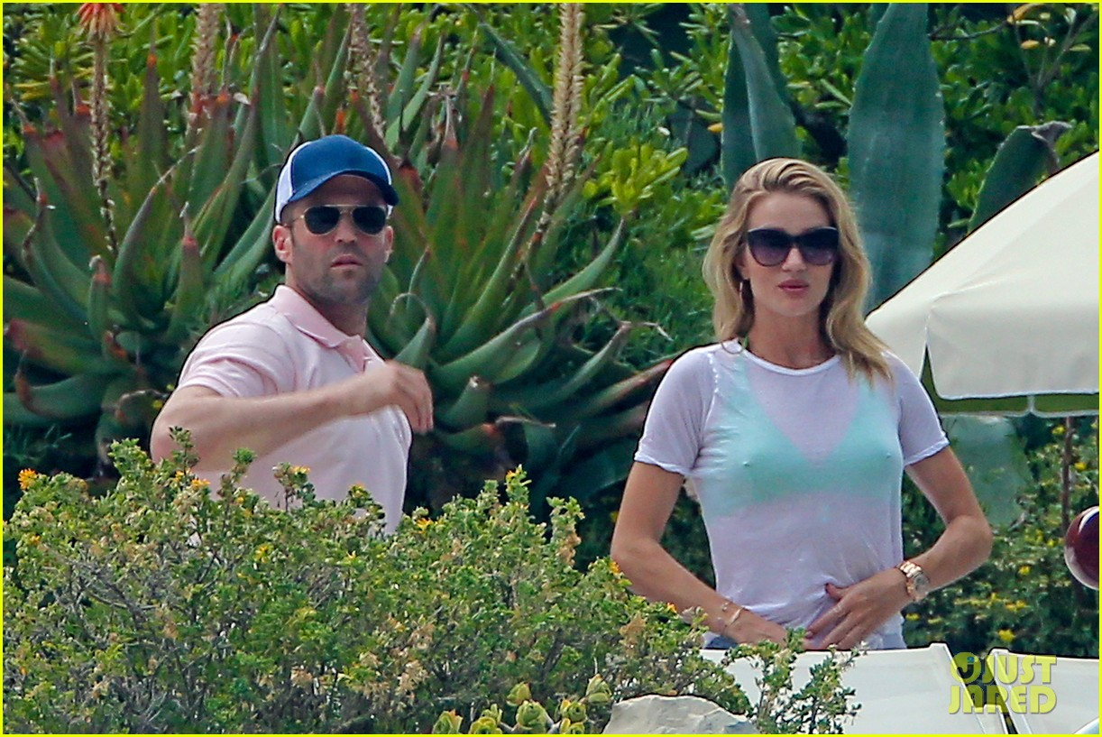 rosie huntington whiteley bikini vacation with jason statham 202888173