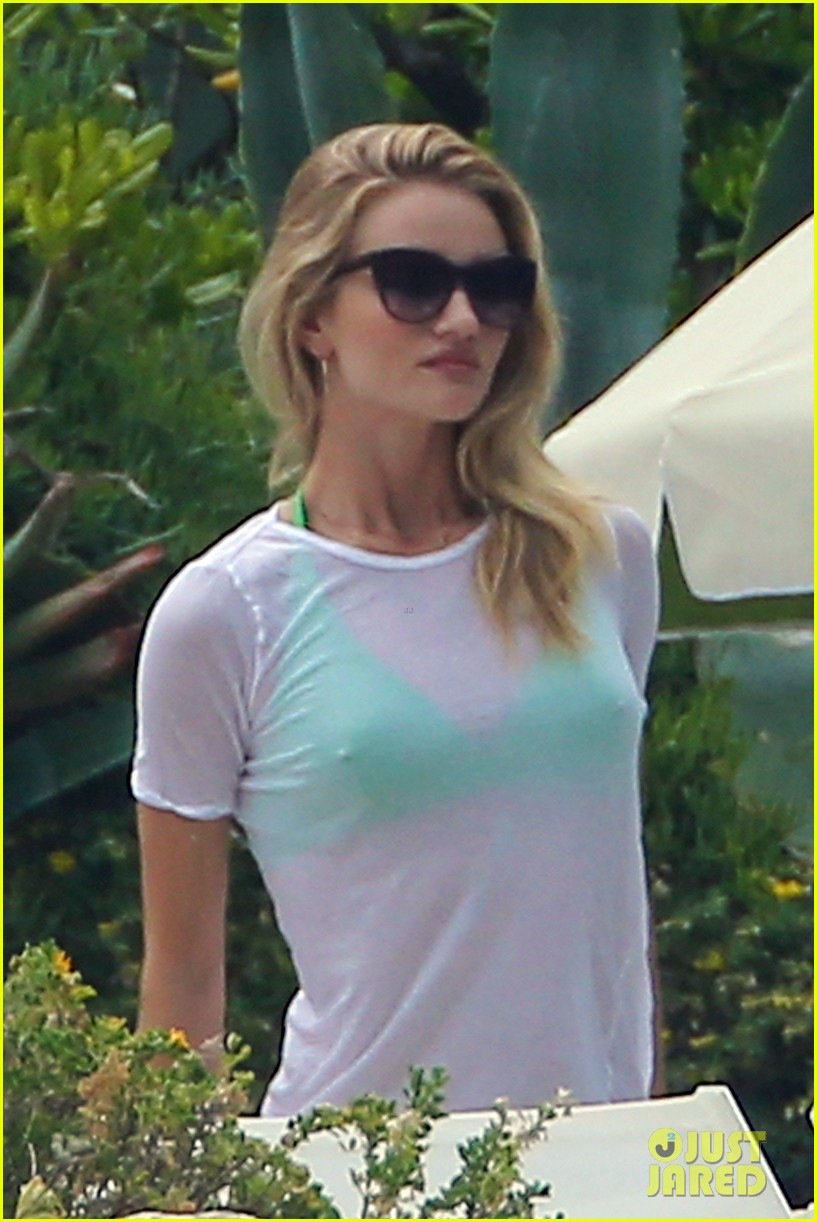 rosie huntington whiteley bikini vacation with jason statham 24