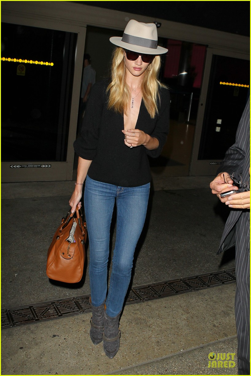 rosie huntington whiteley new face of modelco 102881865
