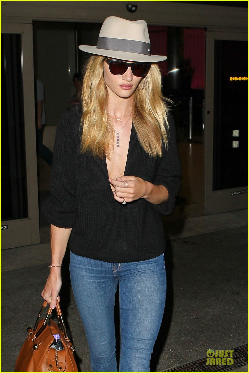 rosie huntington whiteley new face of modelco 112881866