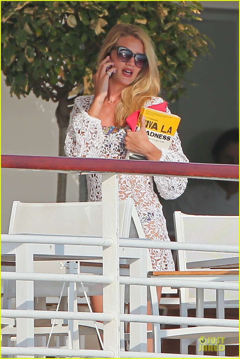 rosie huntington whiteley jason statham viva la madness bikini reading 262890072
