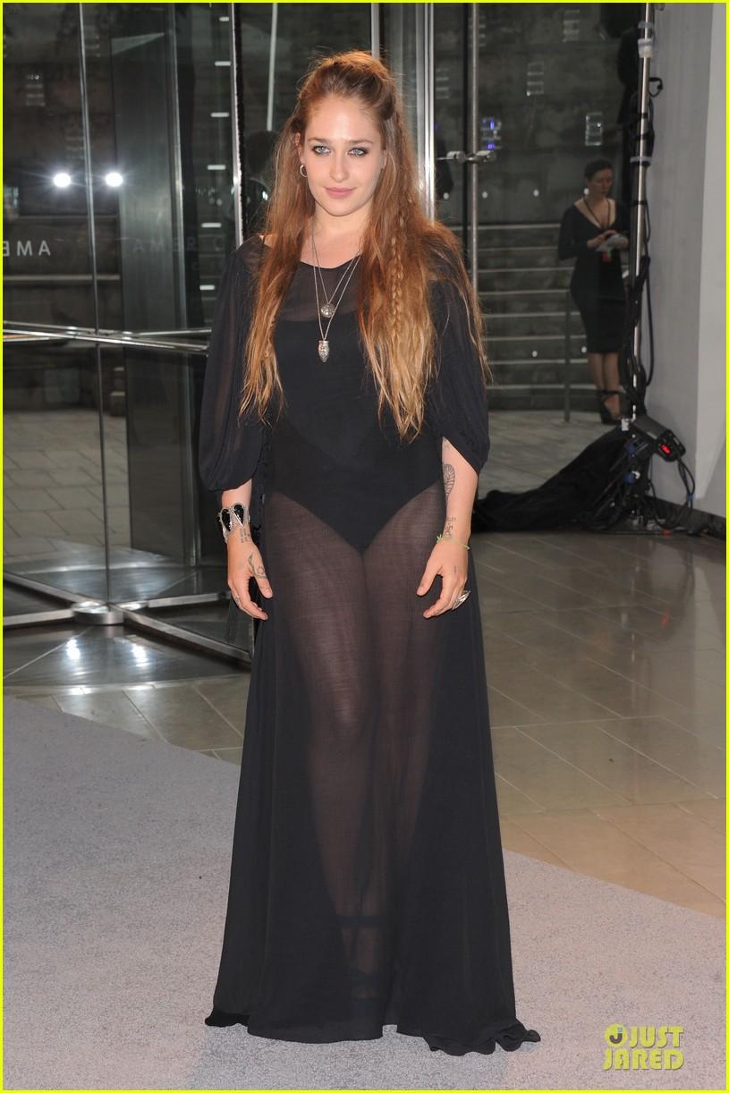 nicole richie juliette lewis cfda fashion awards 2013 red carpet 142883967