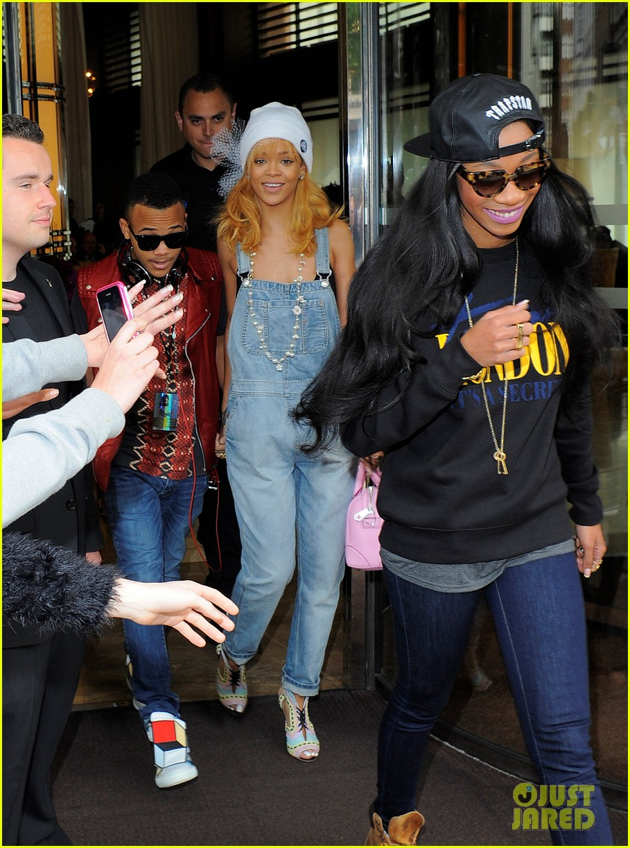 rihanna leaves hotel hand in hand with brother rajad 042892962