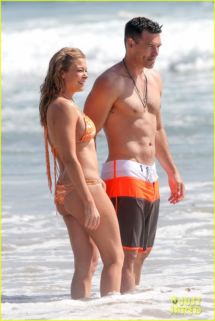 leann rimes bikini beach trip for eddie cibrian 40th bday 022895224