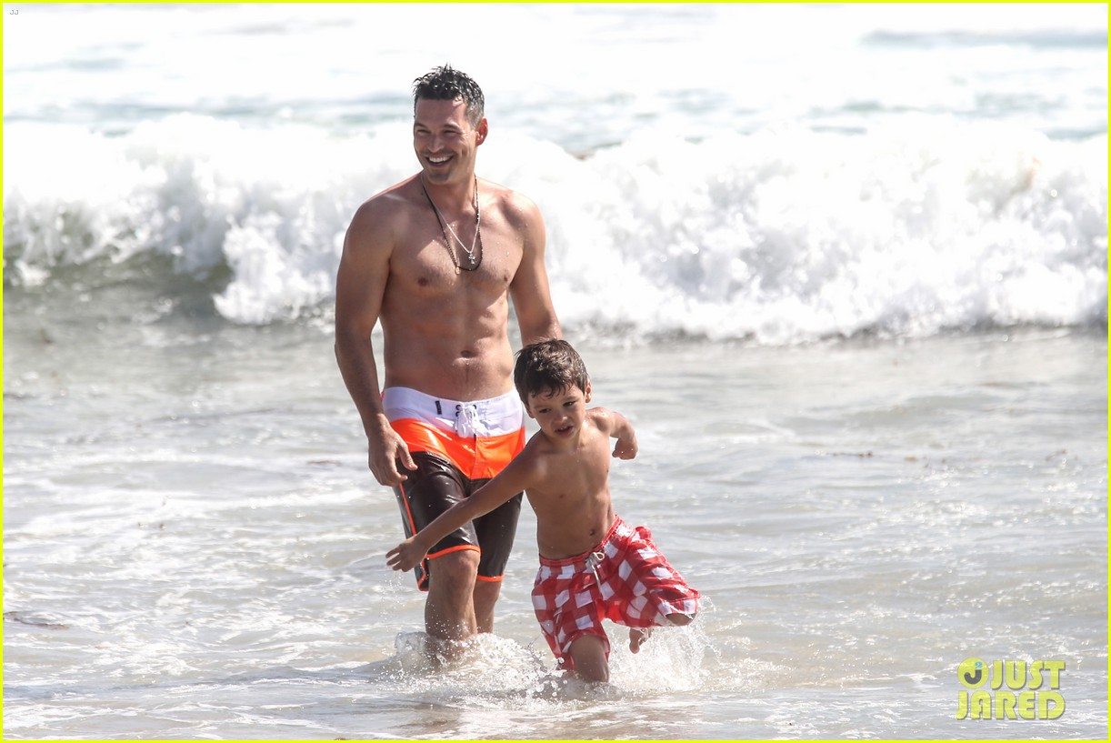 leann rimes bikini beach trip for eddie cibrian 40th bday 14