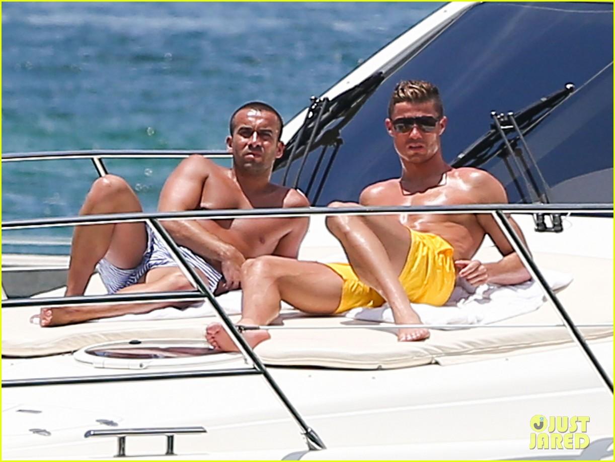 cristiano ronaldo shirtless yacht ride in miami 152891362
