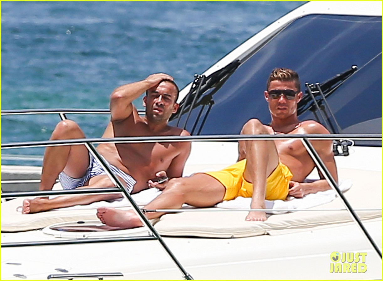 cristiano ronaldo shirtless yacht ride in miami 162891363