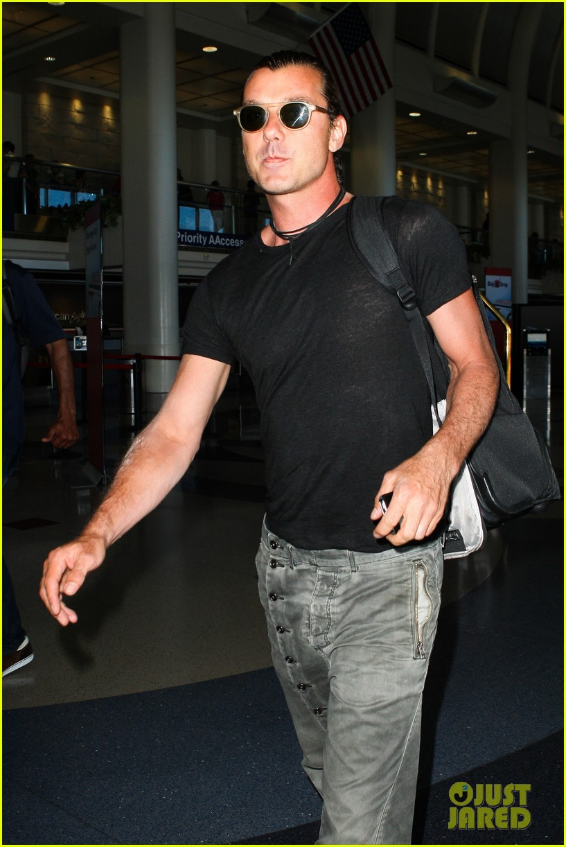 gavin rossdale travel day leaving blues 022899940