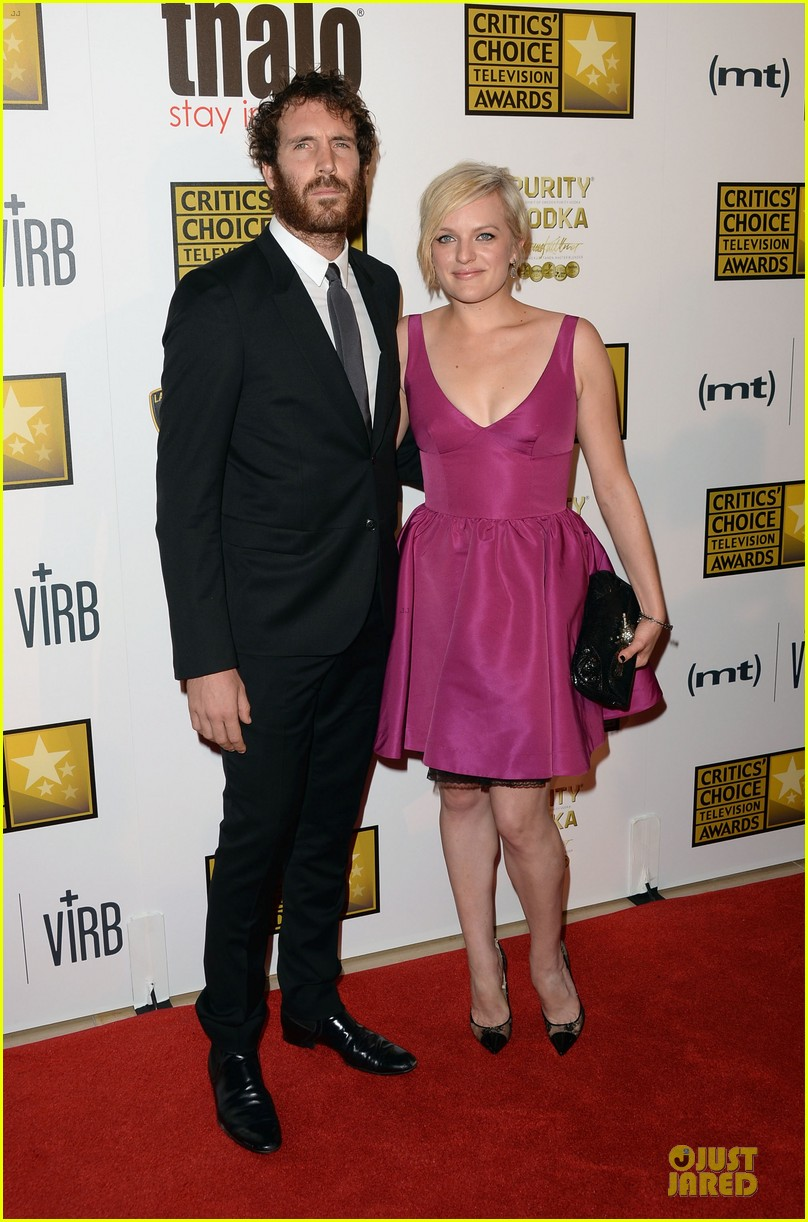 emmy rossum elisabeth moss critics choice television awards 2013 red carpet 032888800