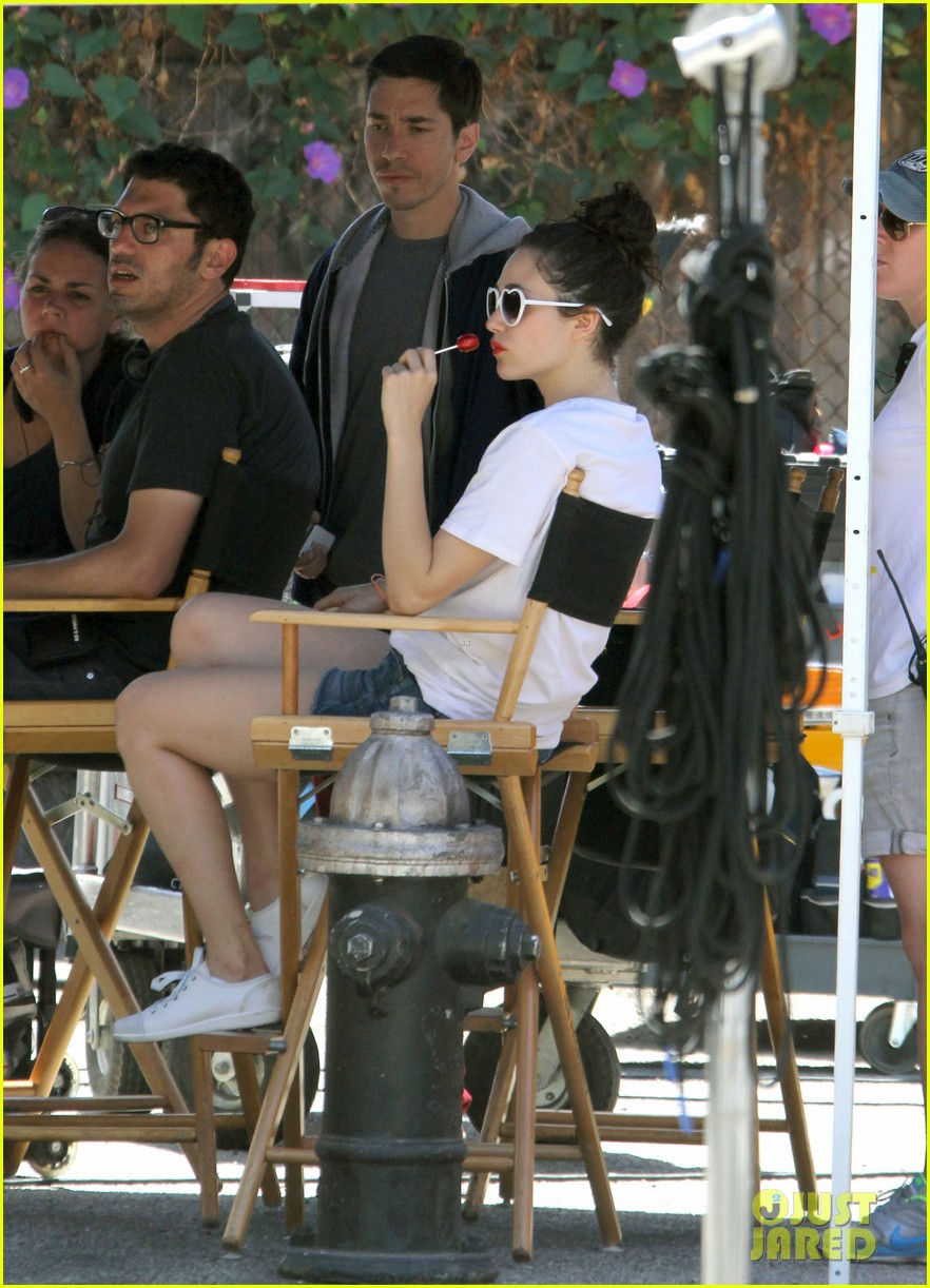 emmy rossum celebrate pets at work day 072895680