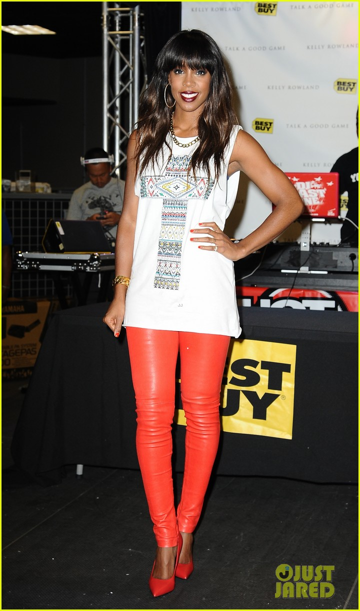 kelly rowland talk a good game nyc album signing 012894178