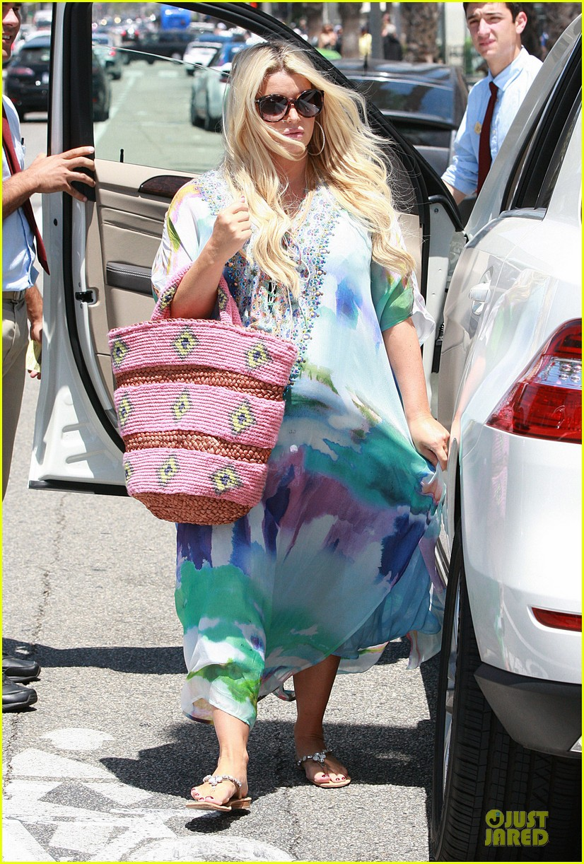 jessica simpson eric johnson hold hands for maxwell less lunch 082896298