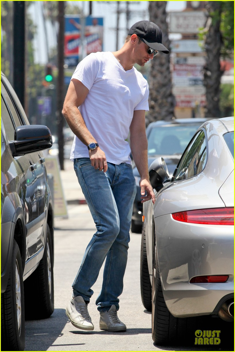 alexander skarsgard thai food craving hunk 052893086