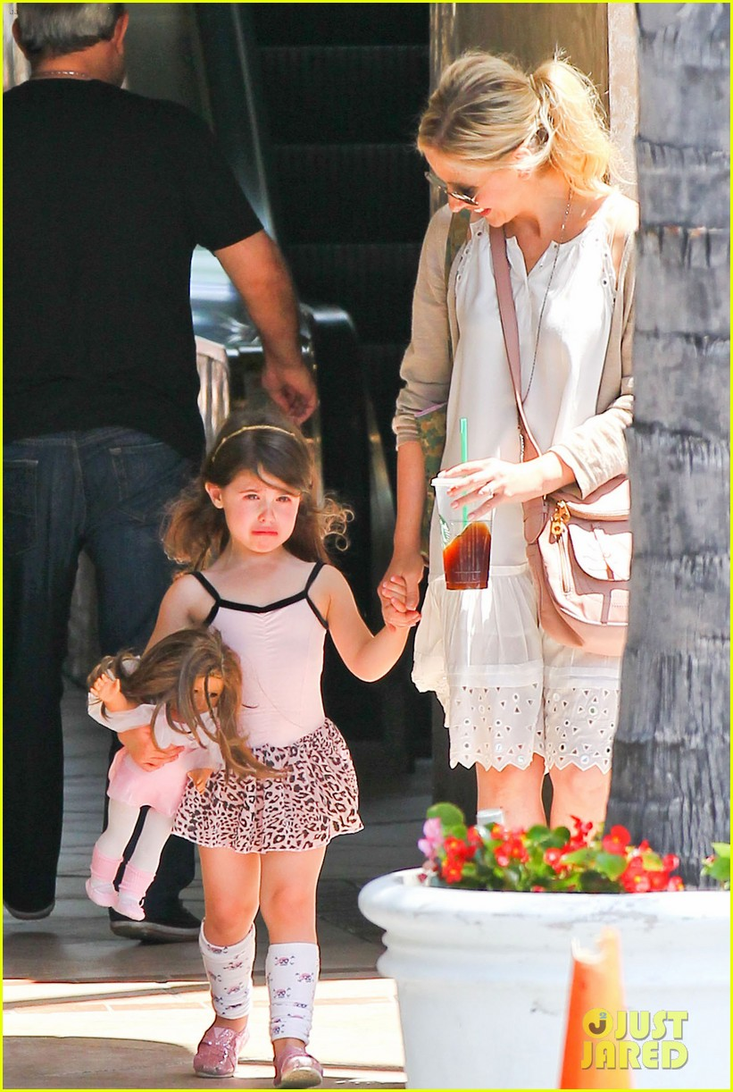 sarah michelle gellar ive learned to embrace flats 062892227
