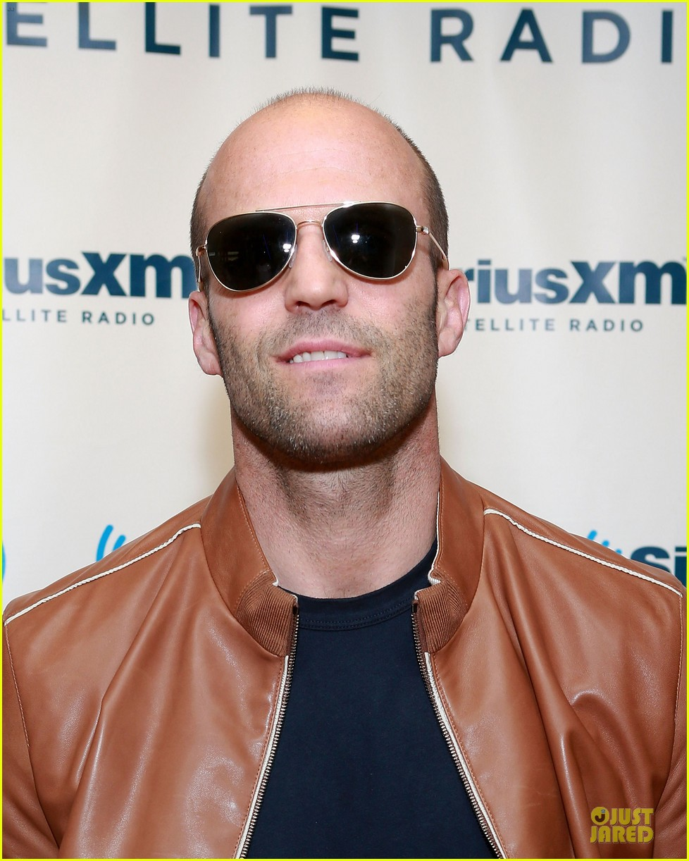 jason statham arm wrestling on fallon 062896144