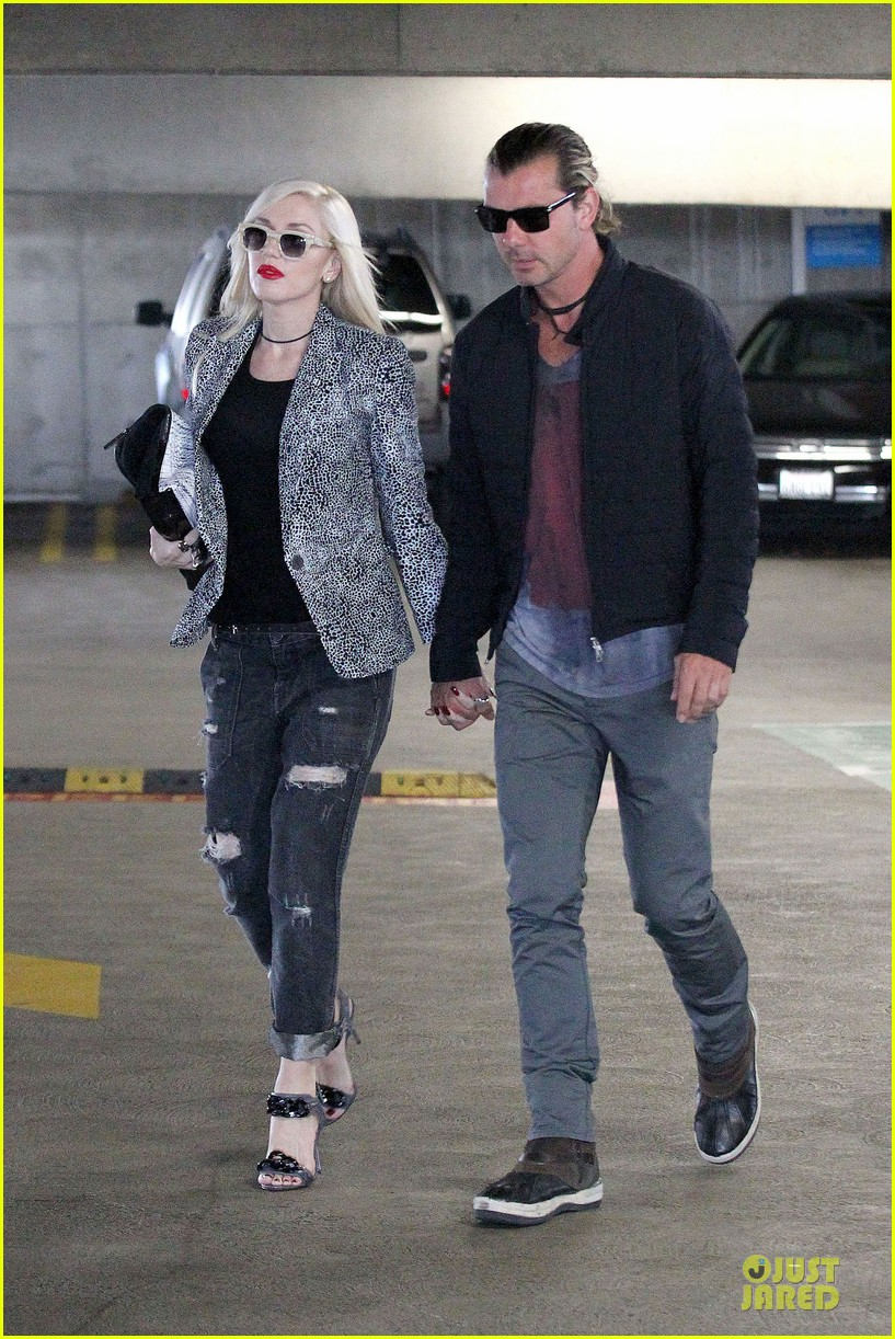 gwen stefani gavin rossdale hold hands before fathers day 022891819