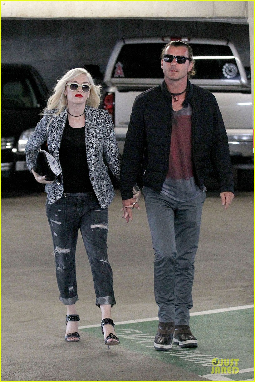 gwen stefani gavin rossdale hold hands before fathers day 082891825