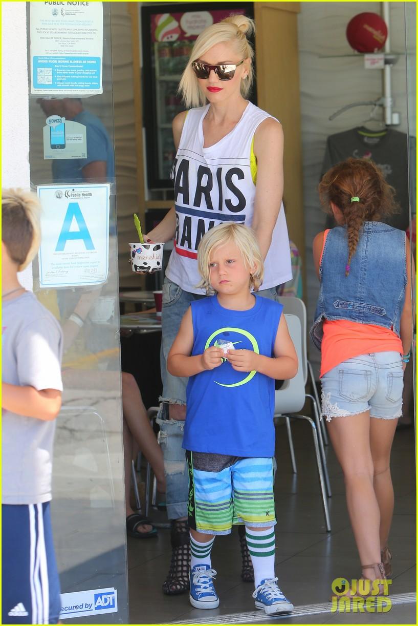 gwen stefani gavin rossdale ice cream with the kids 032899410