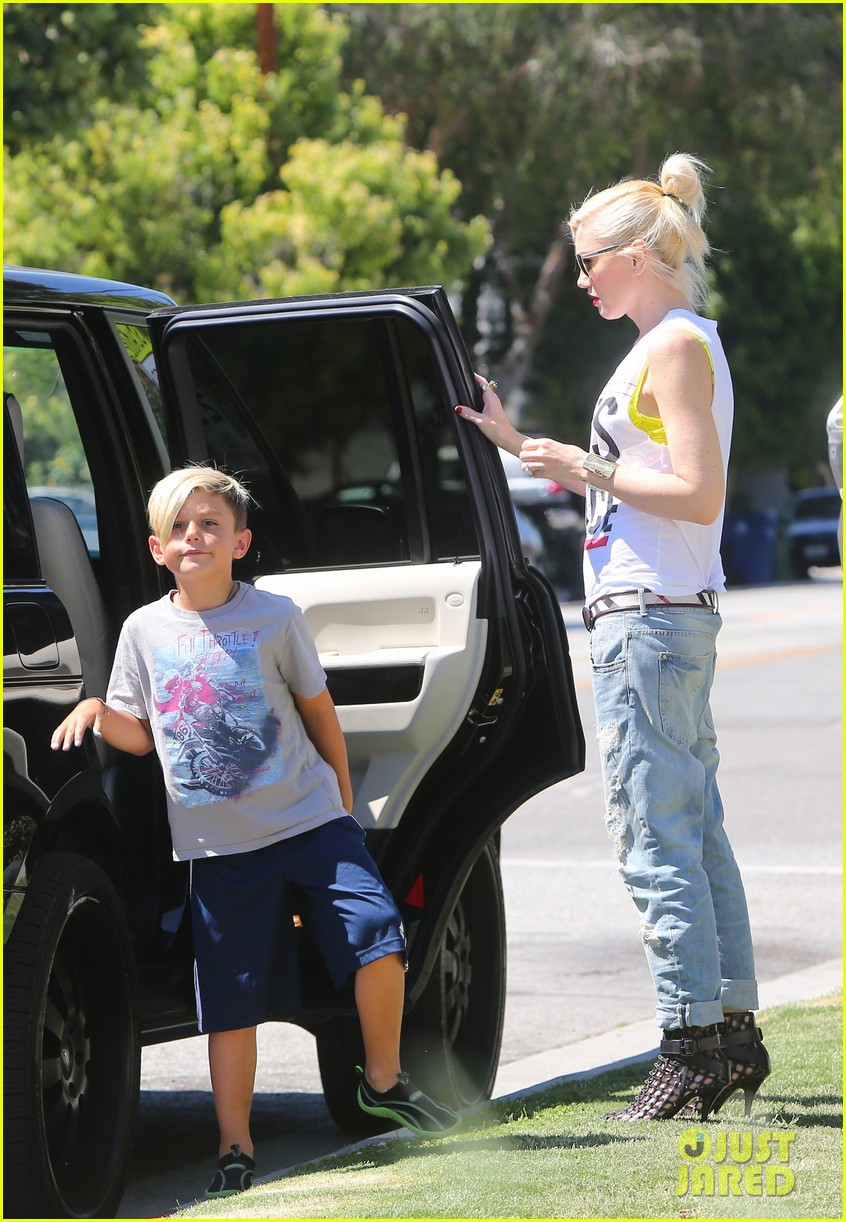 gwen stefani gavin rossdale ice cream with the kids 042899411